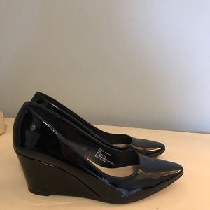 Patent leather wedge heels